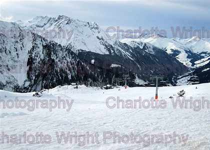 033 